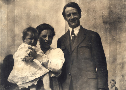 May-Terence-and-Muriel-MacSwiney-Family-02
