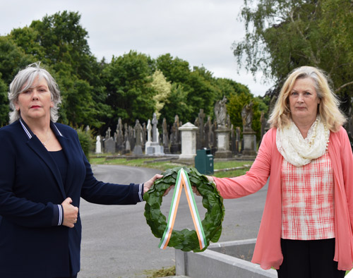 Wreath-Laying-Ceremony-St-Finbarrs-Image