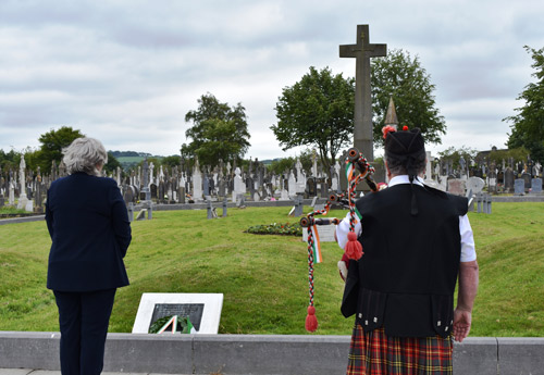 Wreath-laying-ceremony-St-Finbarrs-image-2