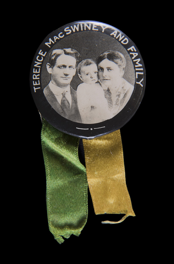 1966.250-D8.4-Badge-Button-Terence-MacSwiney-and-Family